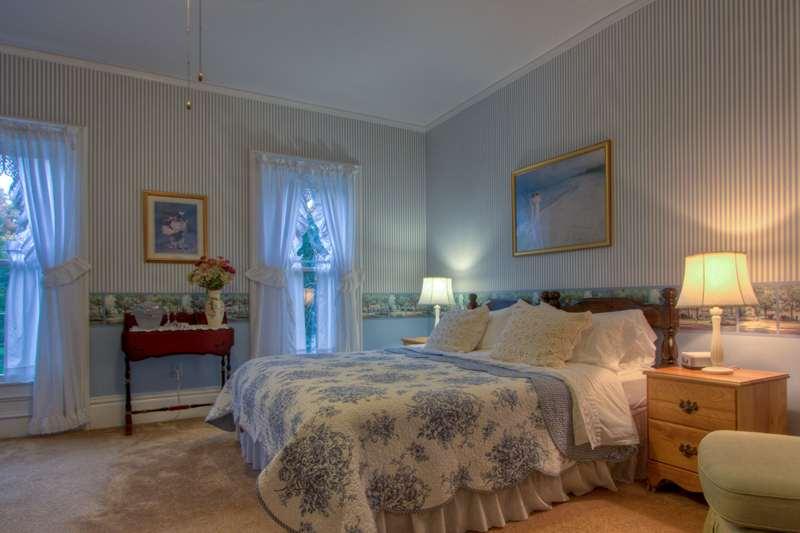 Carriage House Inn Bed Breakfast Sodus Point Ny